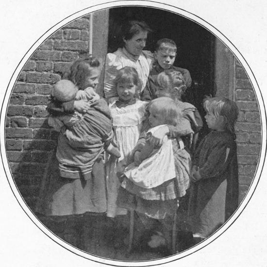 A happy little group, London, c1901 (1901)-Unknown-Photographic Print