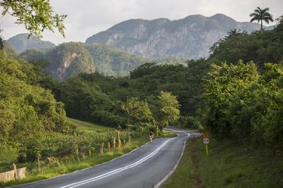 https://imgc.artprintimages.com/img/print/a-highway-running-from-vinales-to-san-cayetano-through-a-region-known-for-tobacco-farms_u-l-pu6htd0.jpg?p=0
