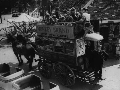 A Horse Bus--Photographic Print