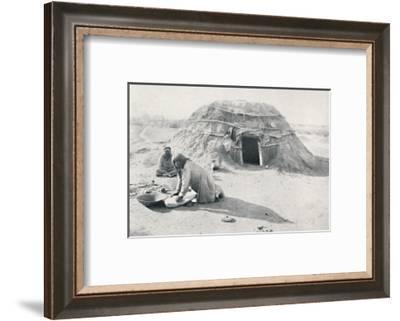 A hut of the Pima Indians of Arizona, 1912-CC Pierce & Co-Framed Photographic Print