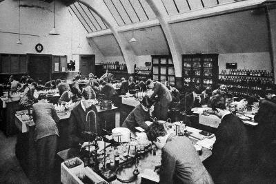 A Laboratory in a London Polytechnic, 1926-1927--Giclee Print