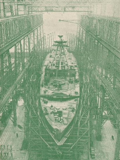 A light cruiser under construction, c1917 (1919)-Unknown-Photographic Print