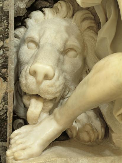 A Lion Licking the foot of Daniel-Giovanni Lorenzo Bernini-Giclee Print
