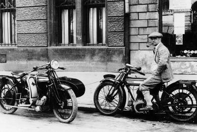 A Man on a Norton Bike, Model 16H 490CC SV, 1924--Photographic Print