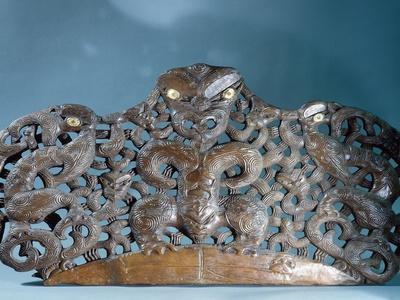 https://imgc.artprintimages.com/img/print/a-maori-chief-s-house-lintel-maori-new-zealand-19th-century_u-l-q1fo4qn0.jpg?p=0