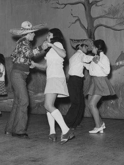 A Mexican American Dance Troop--Photographic Print