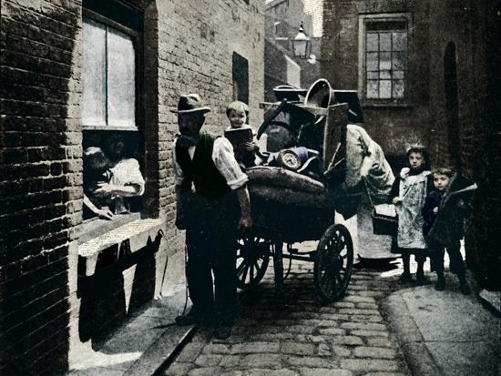 A move in 'Slumopolis', London, c1901 (1901)-Unknown-Photographic Print