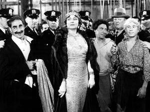 A Night at the Opera, Groucho Marx, Margaret Dumont, Chico Marx, Robert O'Connor, Harpo Marx, 1935