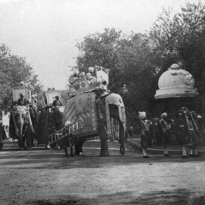 A Punjabi Princess in an Elephant Procession, Delhi, India, 1900s- H & Son Hands-Giclee Print