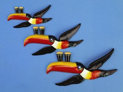 A Set of Three Carltonware Graduated Guinness Advertising Toucan Wall Hangings--Giclee Print
