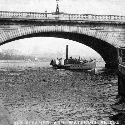 A Steamer Passing Underneath Waterloo Bridge, London, Early 20th Century--Giclee Print