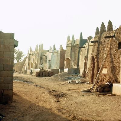 A Street in the Old Part of Kano, One of the Major Hausa-Fulani City States of Northern Nigeria--Giclee Print