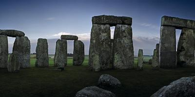 A View of Stonehenge from the Center of the Circle-Macduff Everton-Photographic Print