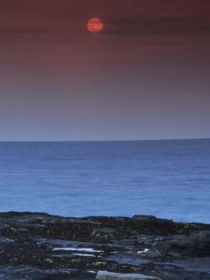 A View of the Atlantic Ocean from the Cape Elizabeth Lighthouse-Raul Touzon-Photographic Print
