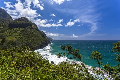 A View of the Na Pali Coast from the Kalalau Trail-Andrew Shoemaker-Photographic Print