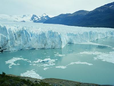 A View of the Perito Moreno Glacier in Patagonia, Argentina-Peter Carsten-Photographic Print