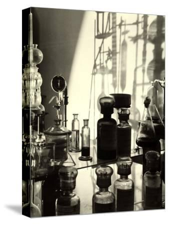 Laboratory of the Naarden Leepen Factory, Specializing in the Production of Base for Perfume