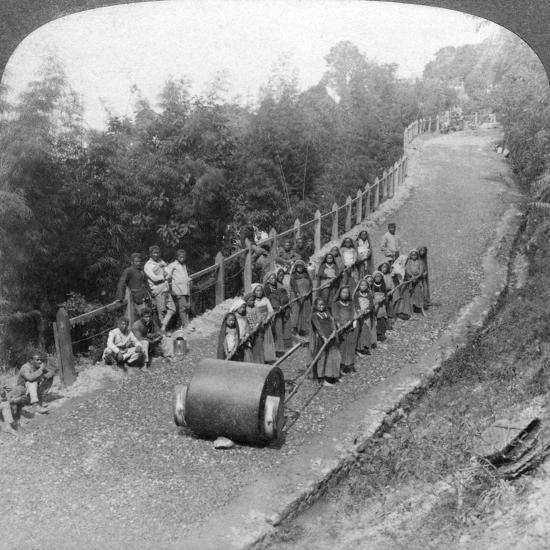 A Woman Work Team on the Darjeeling Highway, India, 1903-Underwood & Underwood-Giclee Print