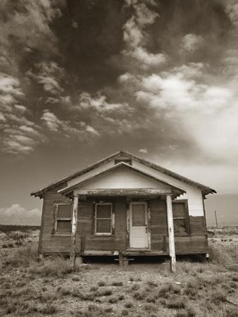 Abandoned House by Aaron Horowitz