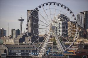 Ferris Wheel, Seattle by Aaron Matheson