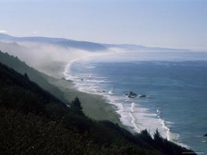 View of the Pacific Ocean from Highway 101 to Brookings, North America by Aaron McCoy