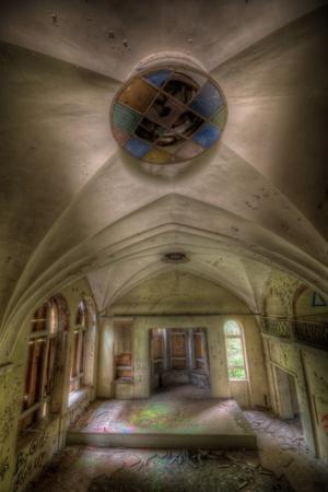 https://imgc.artprintimages.com/img/print/abandoned-building-interior_u-l-pz0jdk0.jpg?p=0