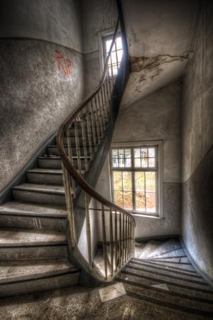 https://imgc.artprintimages.com/img/print/abandoned-building-interior_u-l-pz0lm90.jpg?p=0