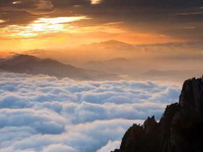 Above the Horizon-Art Wolfe-Photographic Print