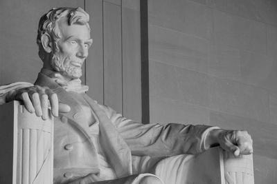 https://imgc.artprintimages.com/img/print/abraham-lincoln-statue-detail-at-lincoln-memorial-washington-dc-united-states_u-l-pn0o1b0.jpg?p=0