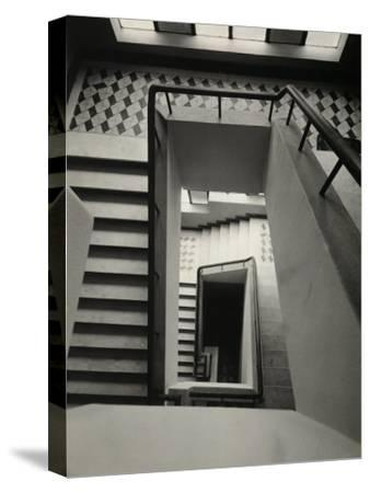 Activities of the Italians Abroad. Casa d'Italia in Belo Horizonte: Flights of Stairs