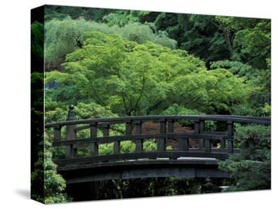 Footbridge in Japanese Garden, Portland, Oregon, USA