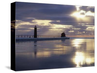 Grand Haven Lighthouse on Lake Michigan at Sunset, Grand Haven, Michigan, USA