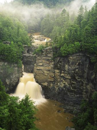 Linville Falls, Linville Gorge, Pisgah National Forest, North Carolina, USA