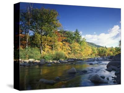 Swift River in Autumn, White Mountains National Forest, New Hampshire, USA