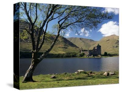 Loch Awe and the Ruins of Kilchurn Castle, Strathclyde, Scotland, United Kingdom