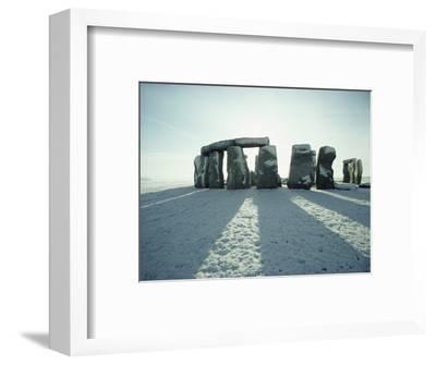 Stonehenge, Unesco World Heritage Site, in Winter Snow, Wiltshire, England, United Kingdom, Europe