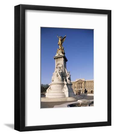 Victoria Memorial Outside Buckingham Palace, London, England, United Kingdom