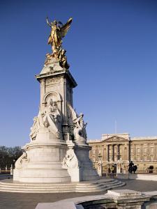 Victoria Memorial Outside Buckingham Palace, London, England, United Kingdom by Adam Woolfitt