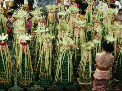 Temple Offerings, Banten Tegeh, at Pura Samuan Tiga Bedulu, Gianyar, Indonesia