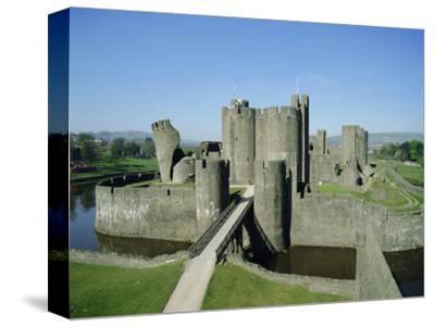 Caerphilly Castle, Glamorgan, Wales, UK, Europe