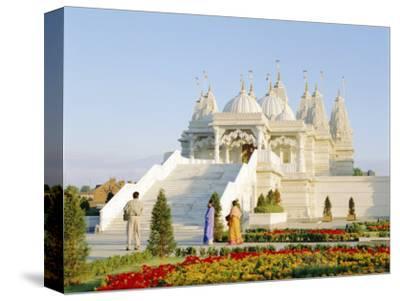 The Shri Swaminarayan Mandir Hindu Temple, Neasden, London, England, UK