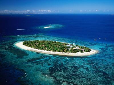 Aerial of Treasure Island, Fiji-Peter Hendrie-Photographic Print
