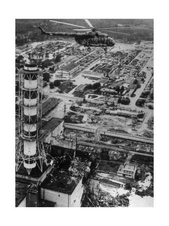 https://imgc.artprintimages.com/img/print/aerial-view-of-chernobyl-soon-after-the-accident_u-l-pk0knn0.jpg?p=0
