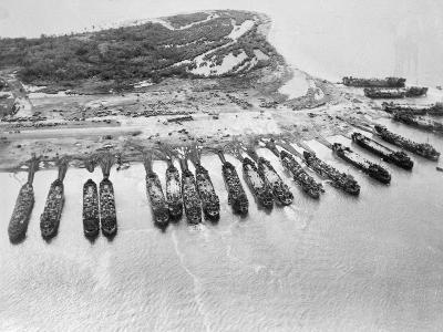 Aerial View of Ships Assaulting Leyte--Photographic Print