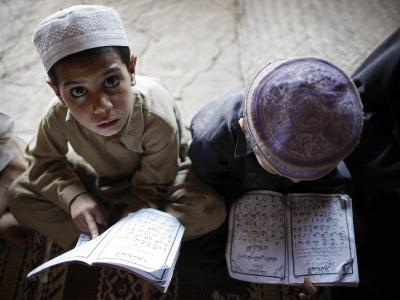 Afghan Refugee Children Read Verses of the Quran During a Daily Class at a Mosque in Pakistan--Photographic Print