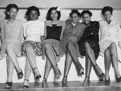 https://imgc.artprintimages.com/img/print/african-american-pin-up-girls-at-naval-air-station-s-spring-formal-dance-during-world-war-2_u-l-pqcu000.jpg?p=0