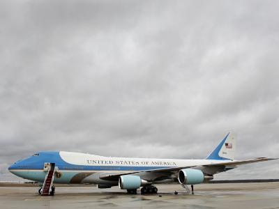 Air Force One Awaits the Arrival of President Barack Obama at Andrews Air Force Base--Photographic Print