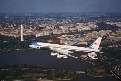 Air Force One in Flight--Photographic Print