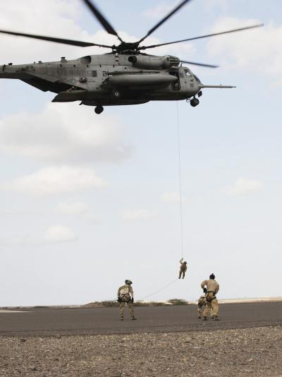 Air Force Pararescuemen Conduct a Combat Insertion and Extraction Exercise in Djibouti, Africa--Photographic Print
