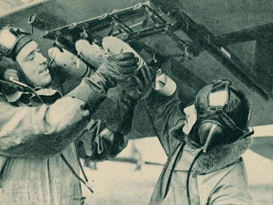 Air observer receiving bombing training, 1940-Unknown-Photographic Print